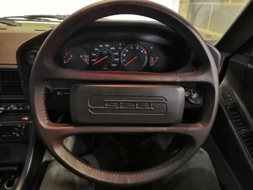 928-Steering-wheel.jpg